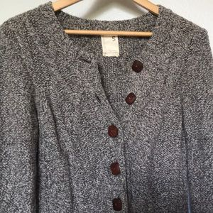 Cable knit wooden button duster sweater🌿